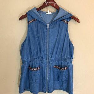Self esteem chambray sleeveless hoodie w/ trim LG
